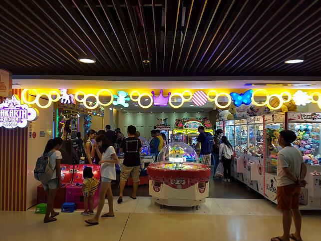 Claw Machines in Singapore, Jakarta Radiant World