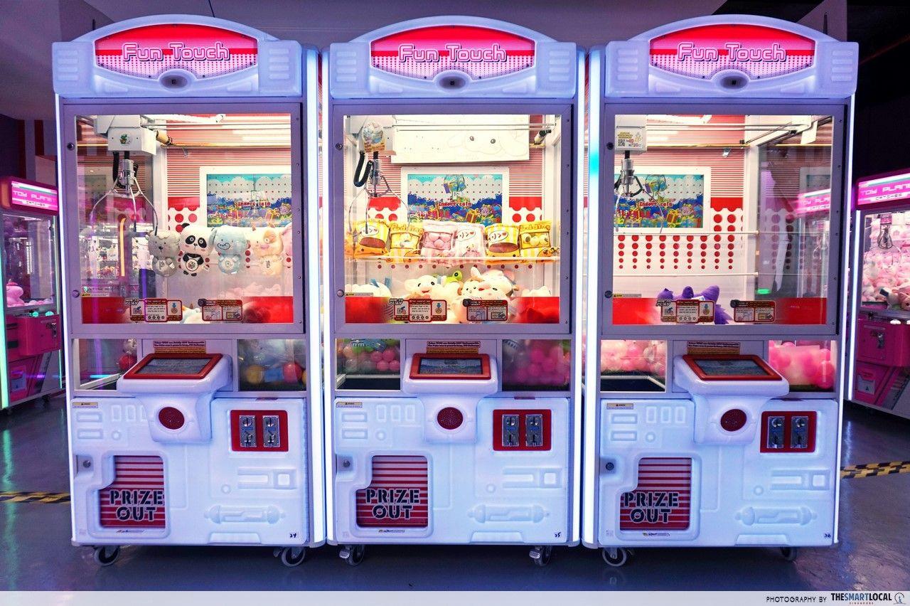 Arcade Planet claw machines