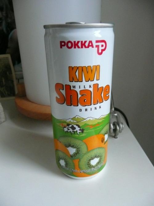 POKKA Kiwi Milk Shake Drink