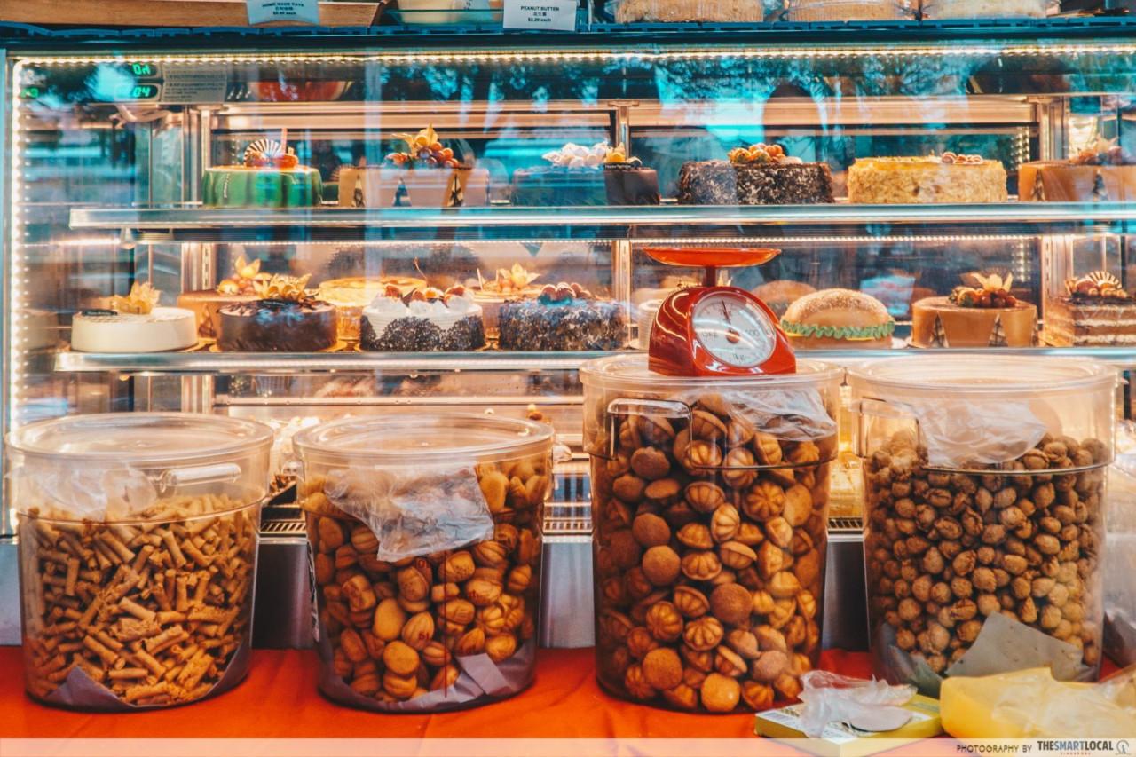 weigh snacks cny dj roti bakery yishun kueh balu kok zai peanut puff