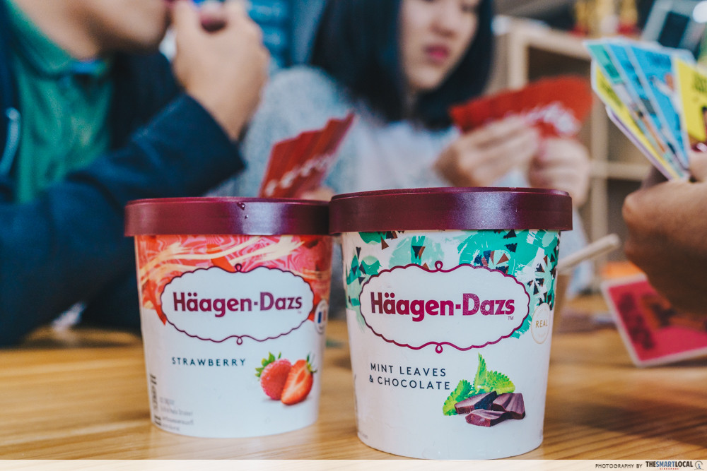 haagen dazs ice cream chinese new year card games
