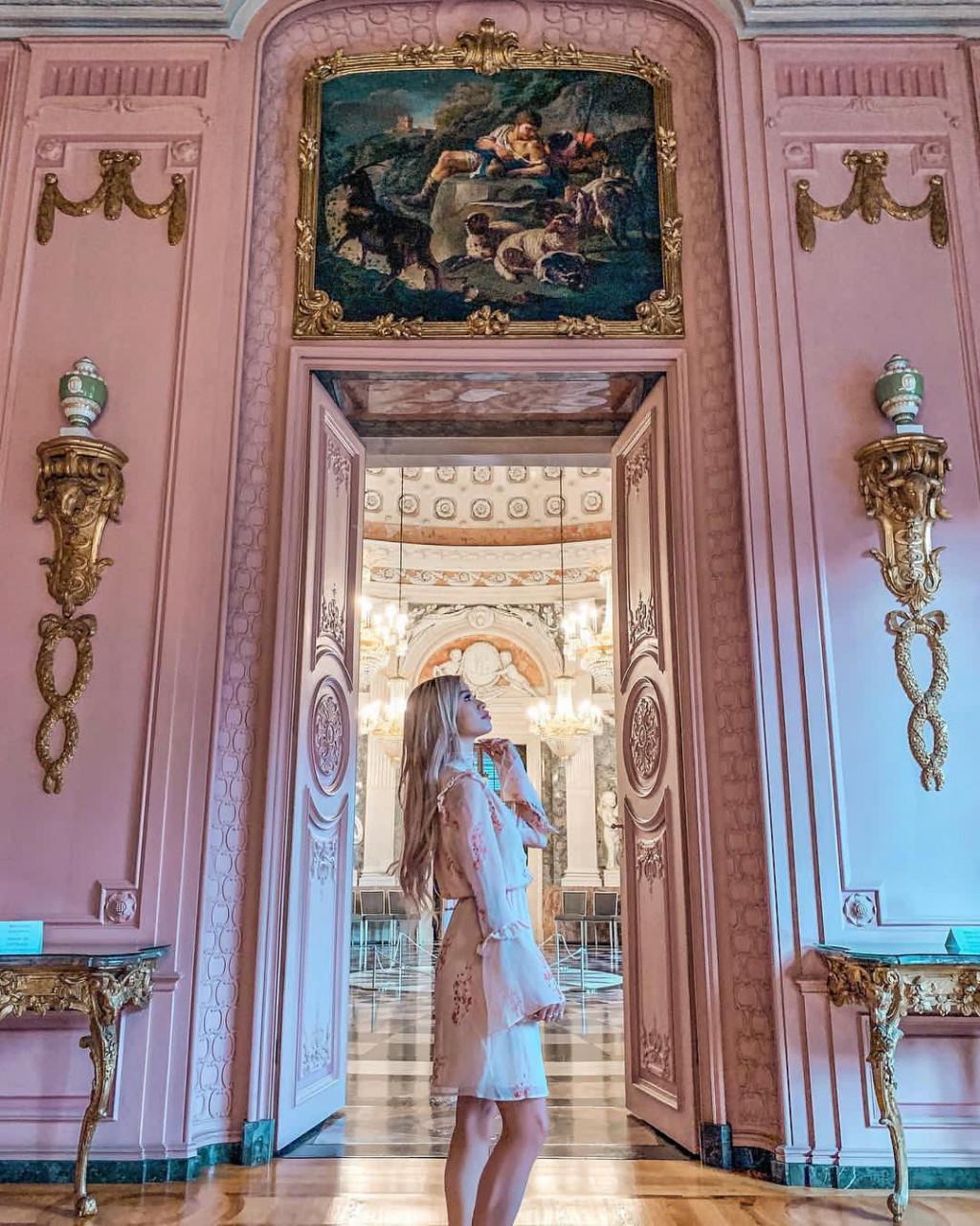 benrath schloss palace pink germany german
