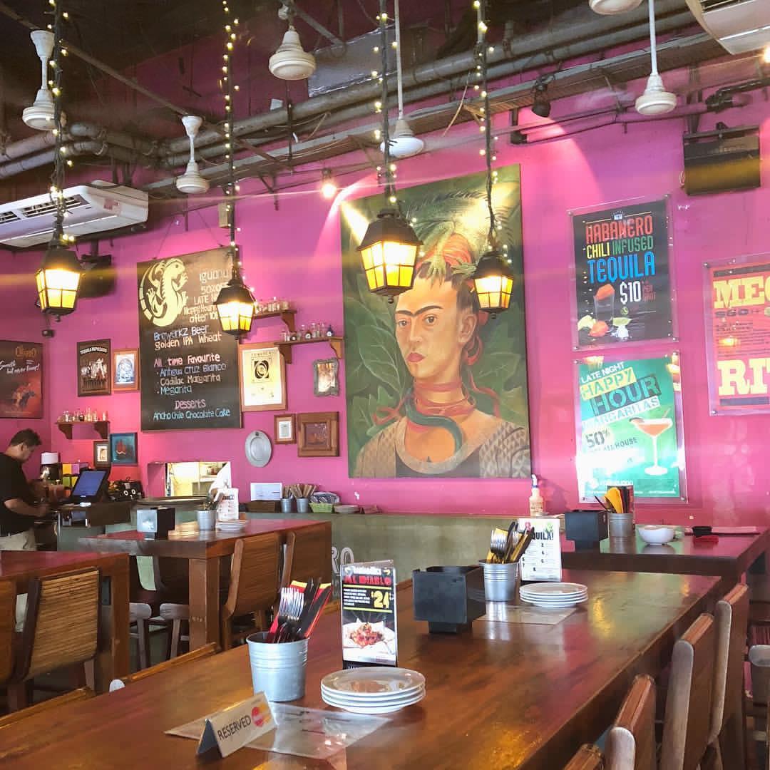 cafe iguana singapore interior