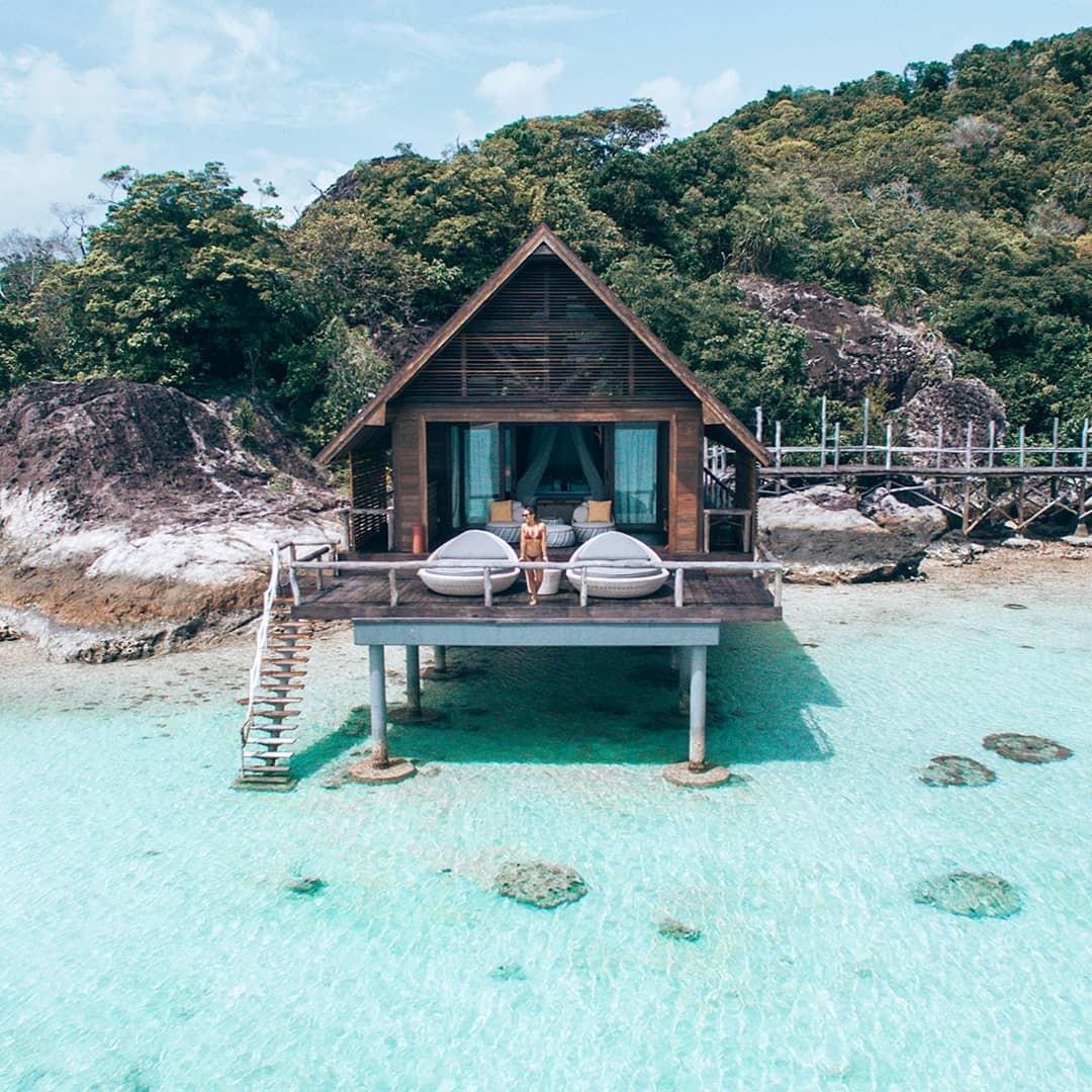 bawah island ocean villa