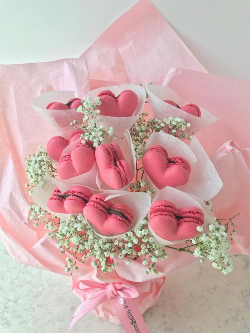 Edible bouquets for Valentine's Day 2019 - Macaron