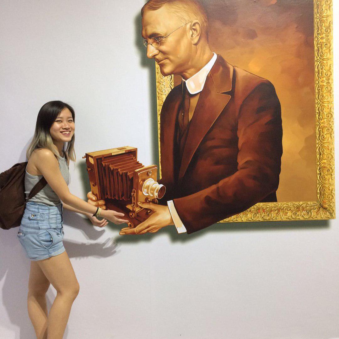 vintage camera museum singapore trick eye