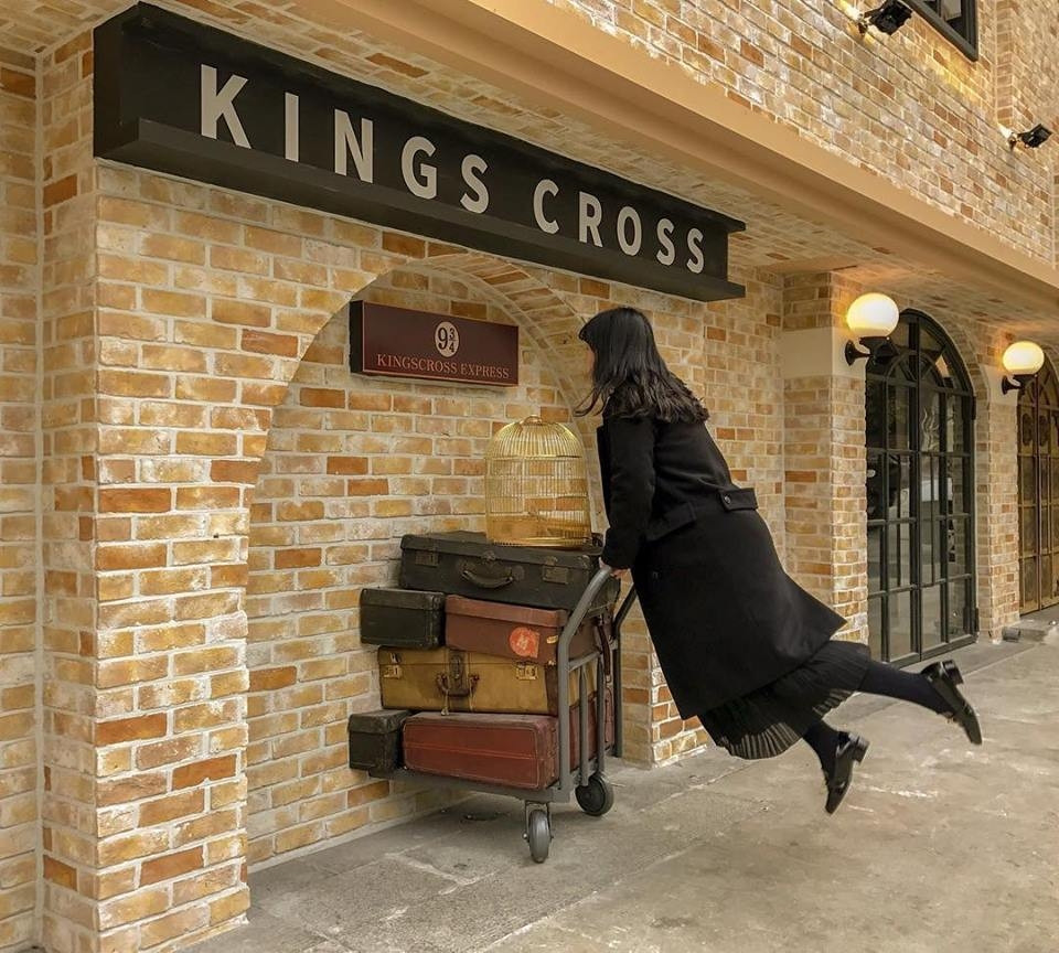 Harry Potter activities King's Cross 9 3/4 in Seoul