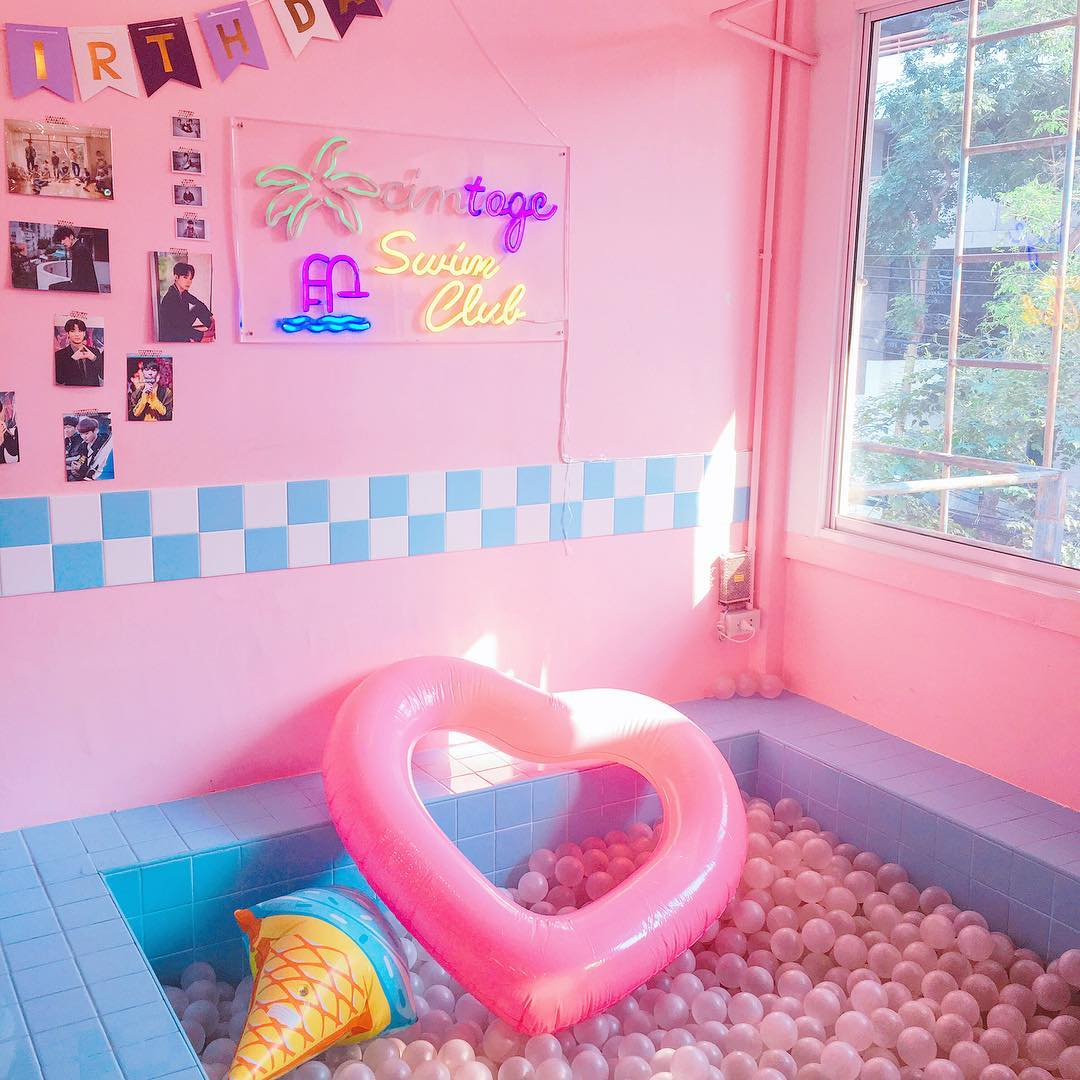 cintage canteen school bangkok thailand ball pit feature wall instagrammable pink cafe shop