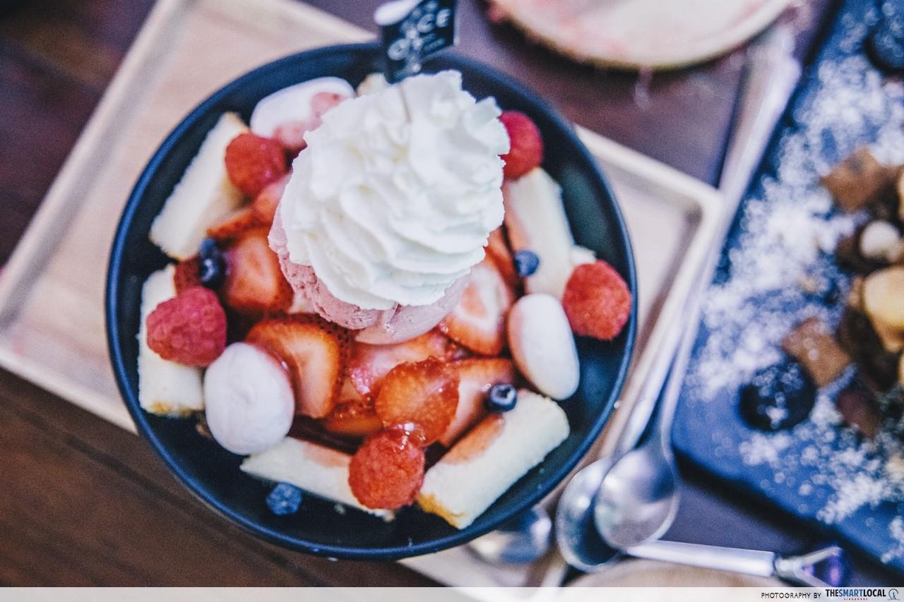 once cafe and cuisine pink themed cafe restaurant shop bangkok thailand egglette waffle tower italian soda explosion dessert happy berry bingsu