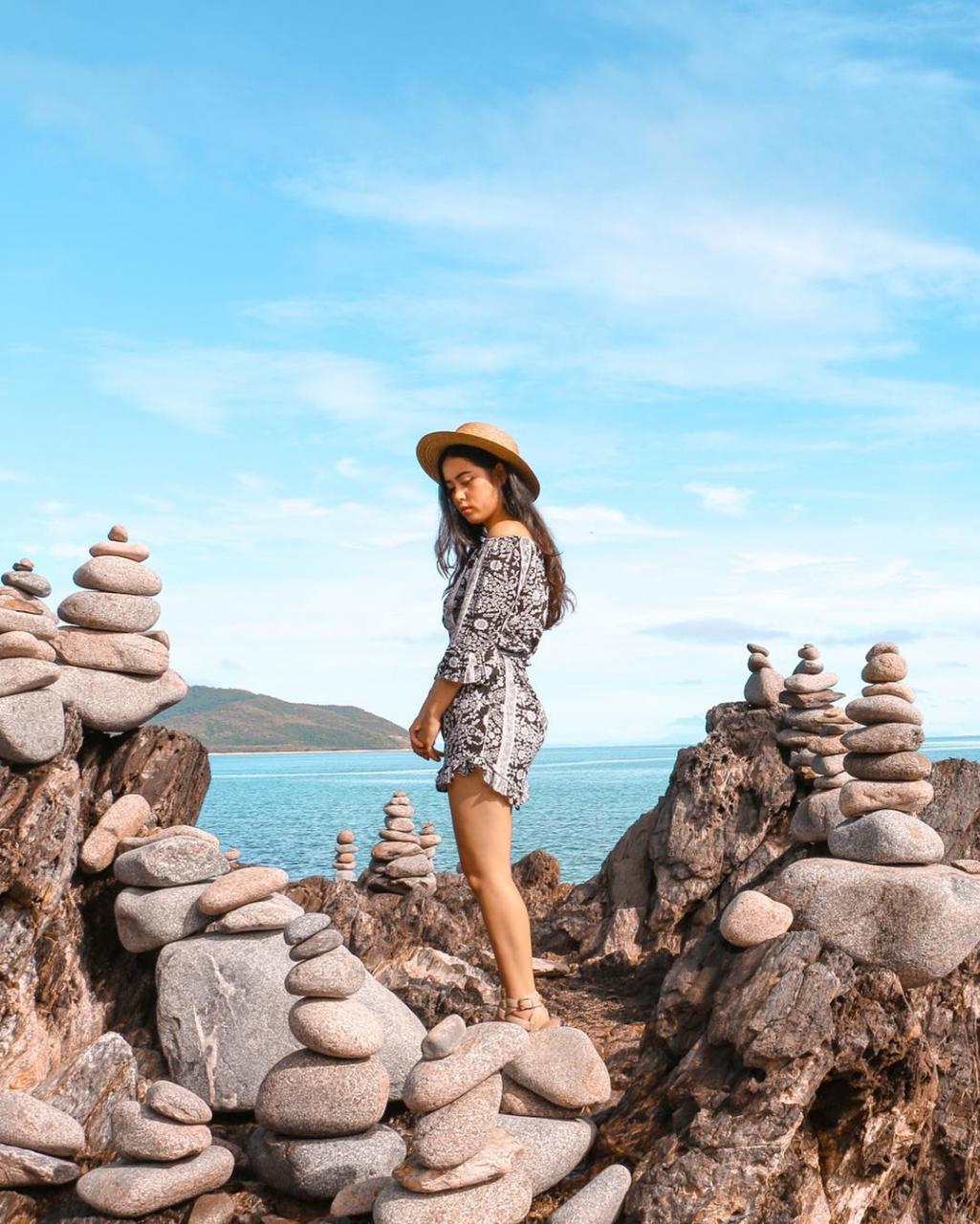 Australia and New Zealand Photogenic Nature Spots Cairns Gatz Balancing Rocks