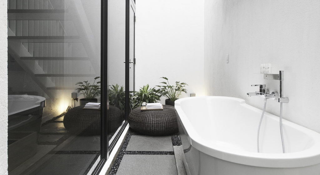 lloyd's in romantic room couple staycation bathtub the sky room outdoor