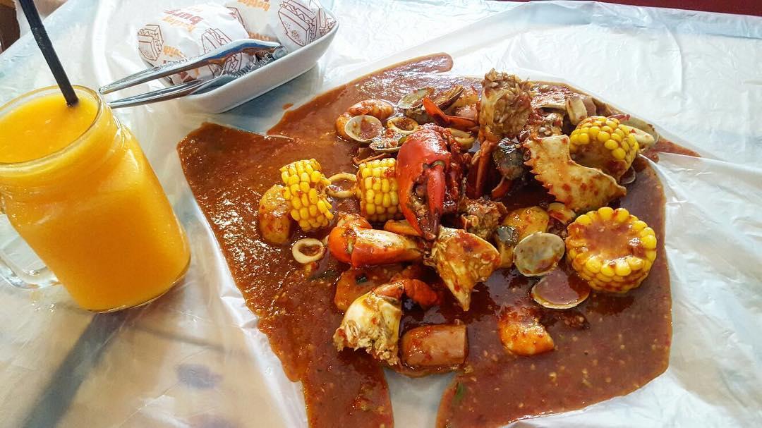 cheap batam crab one dozen cafe seafood bucket