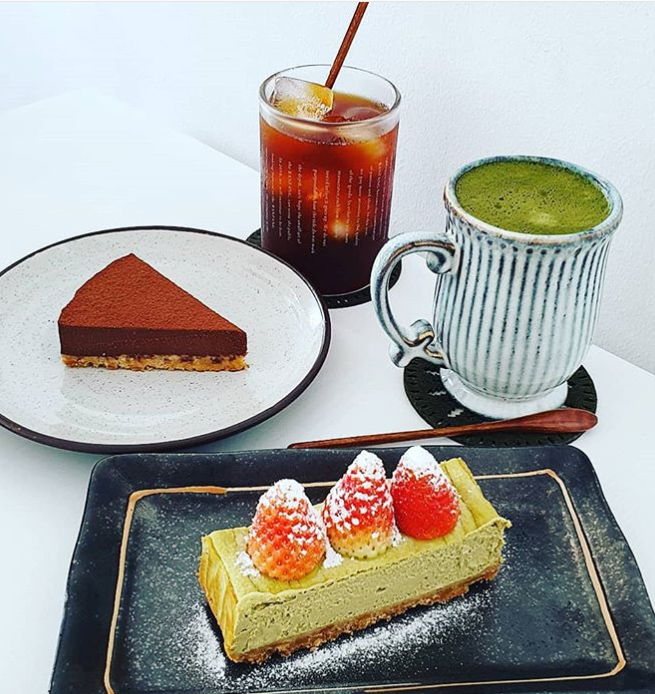 Desserts and coffee at Les Petits Jours