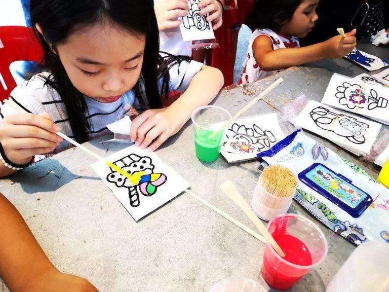 kids window craft painting mall