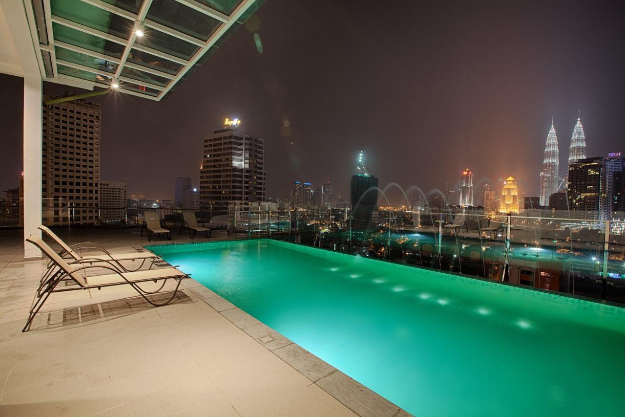 wp hotel infinity pool