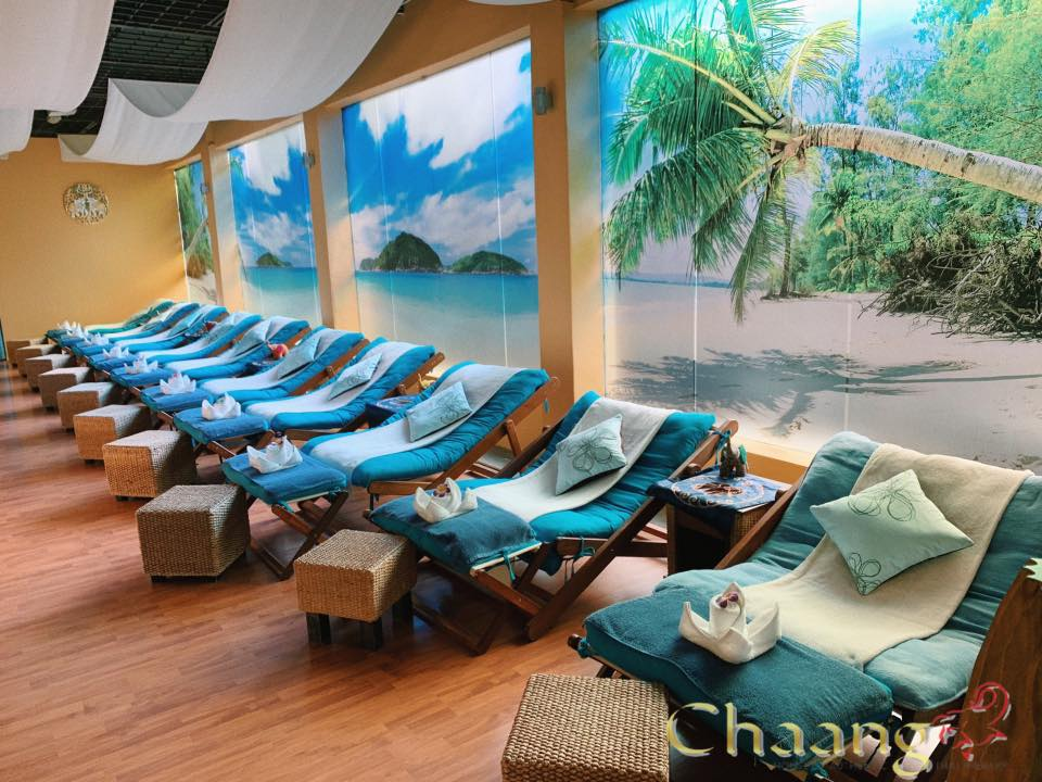 Beachy interior of Chaang