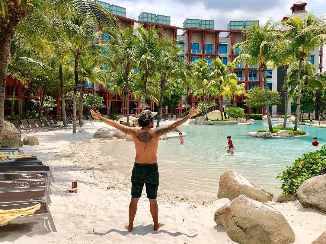 Hard Rock Hotel beach swimming pool