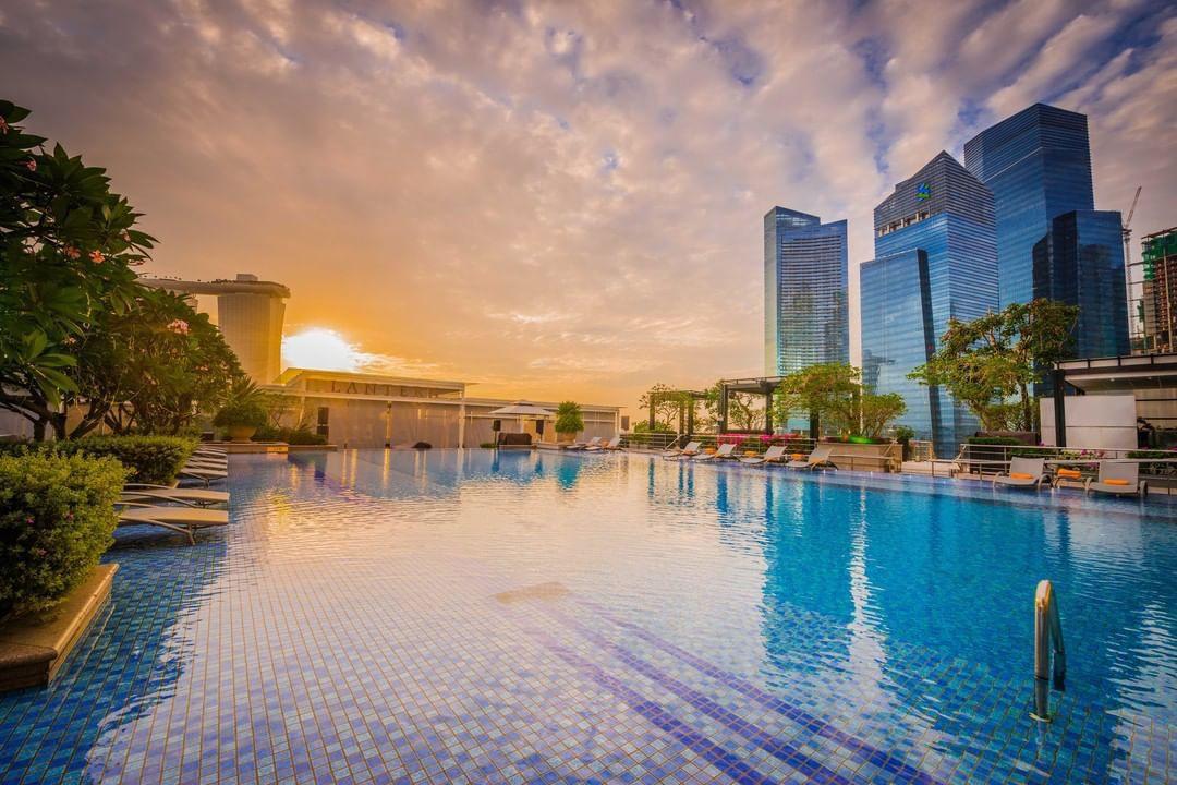 fullerton bay hotel swimming pool