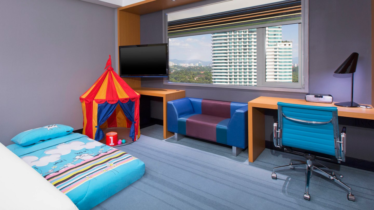 Club Aloft kid's mattress and tent