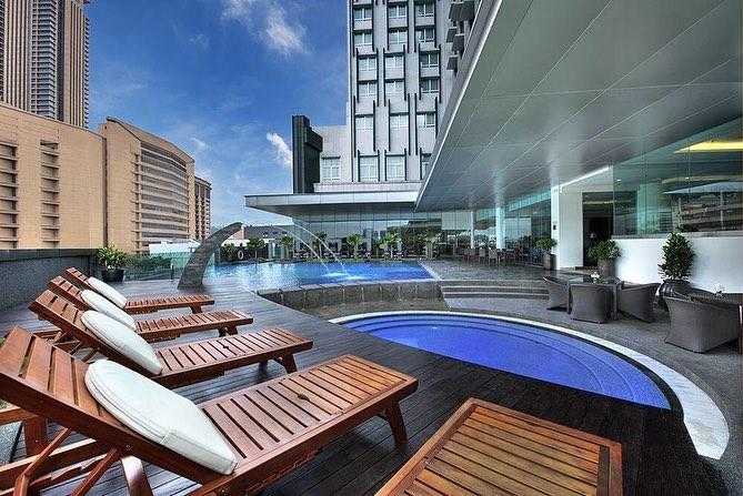 Furama Bukit Bintang poolside area