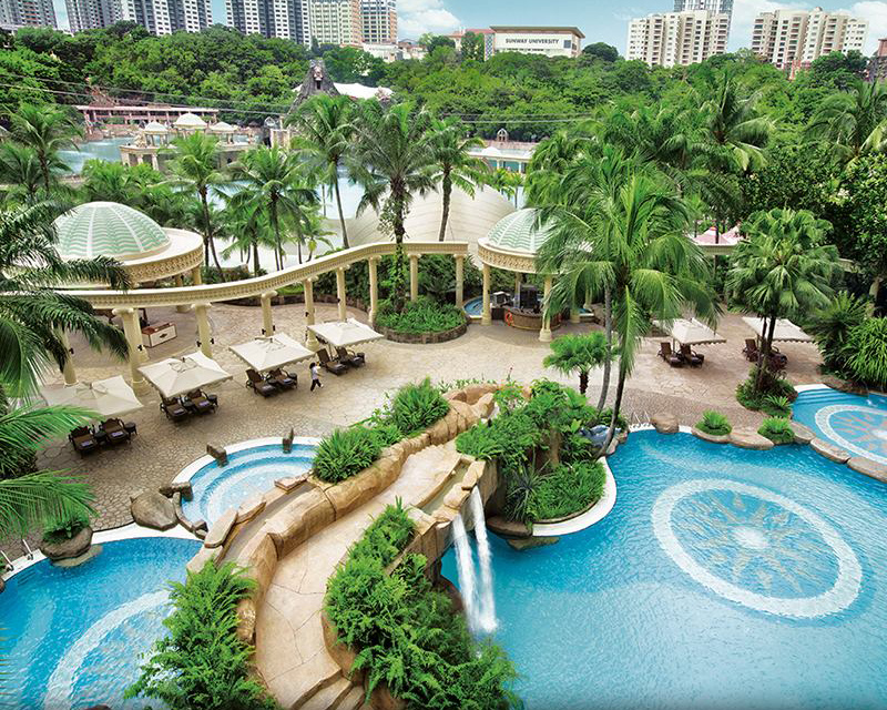 Sunway Hotel Resort & Spa swimming pool area