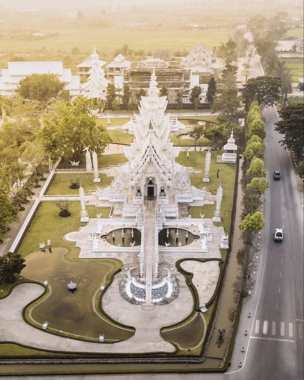 thailand airasia chiang rai the white temple instagrammable