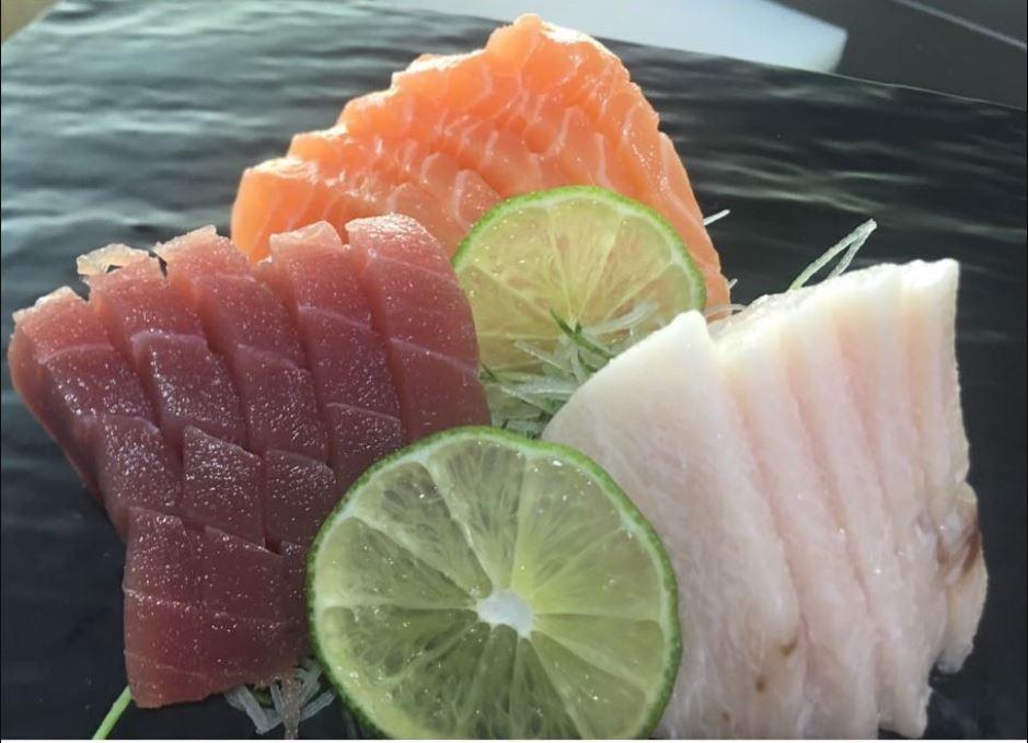 Salmon sashimi at Kazoku