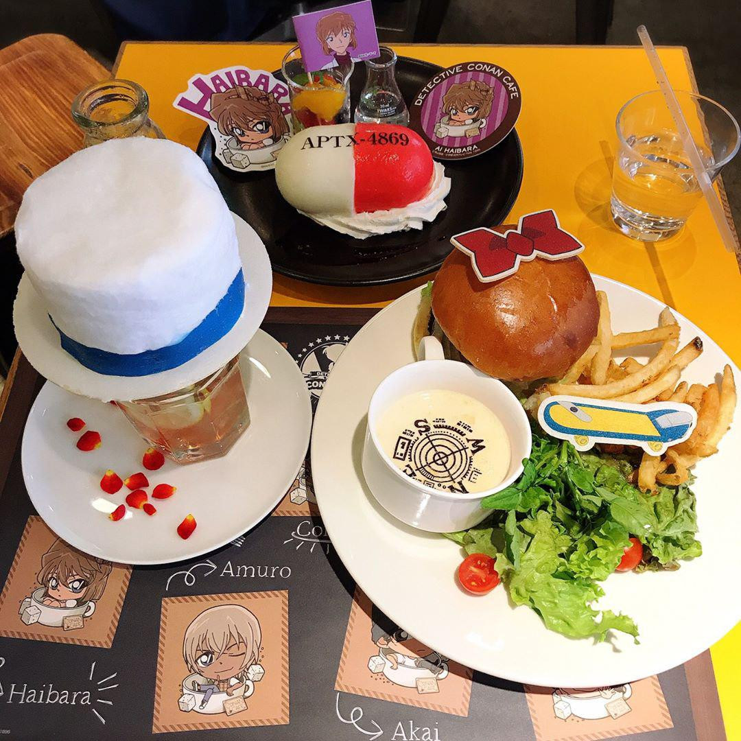 Themed food from the Detective Conan pop-up cafe