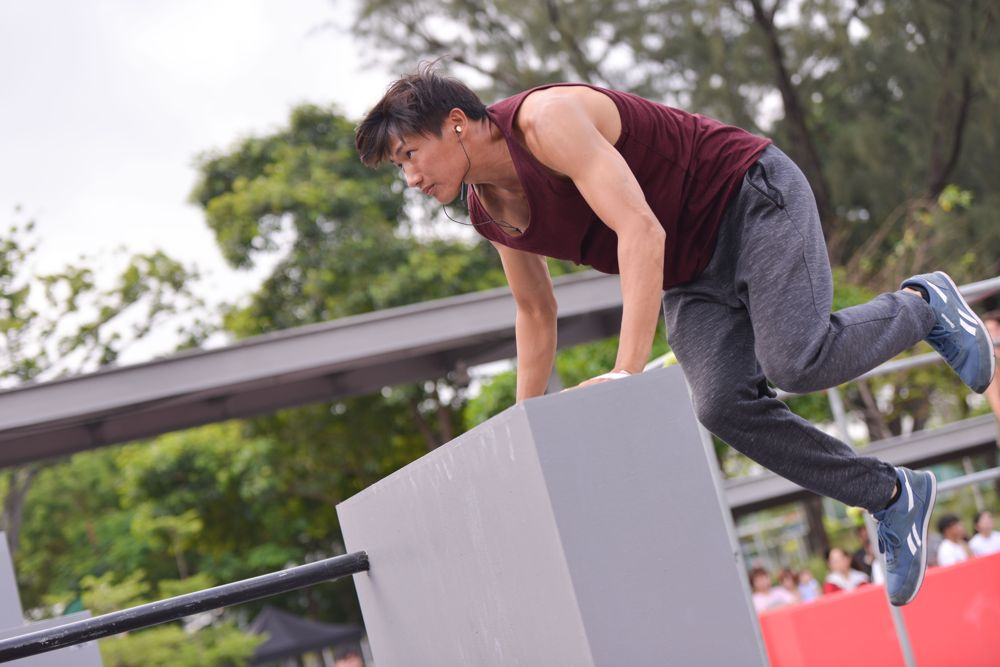 Guy doing parkour