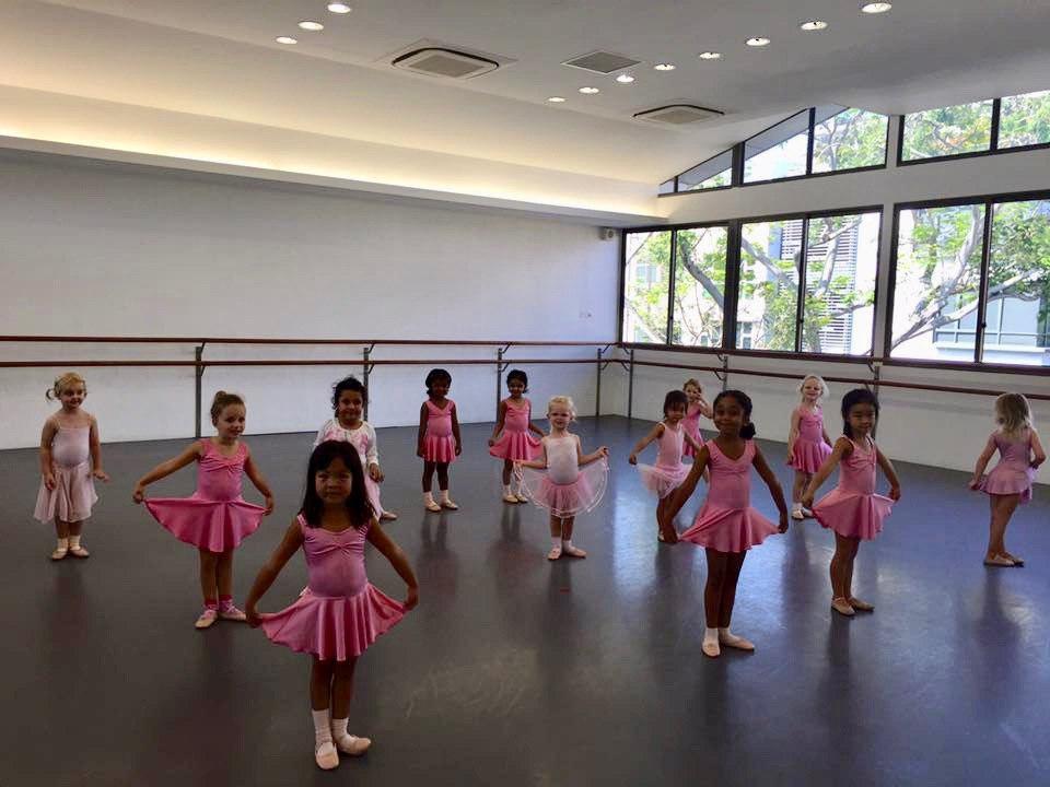 cheap affordable baby kids enrichment classes dancing ballet babies