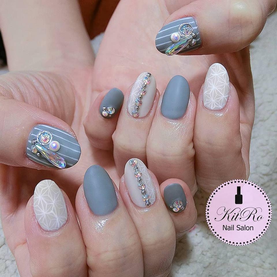 Kit-ro nail salon