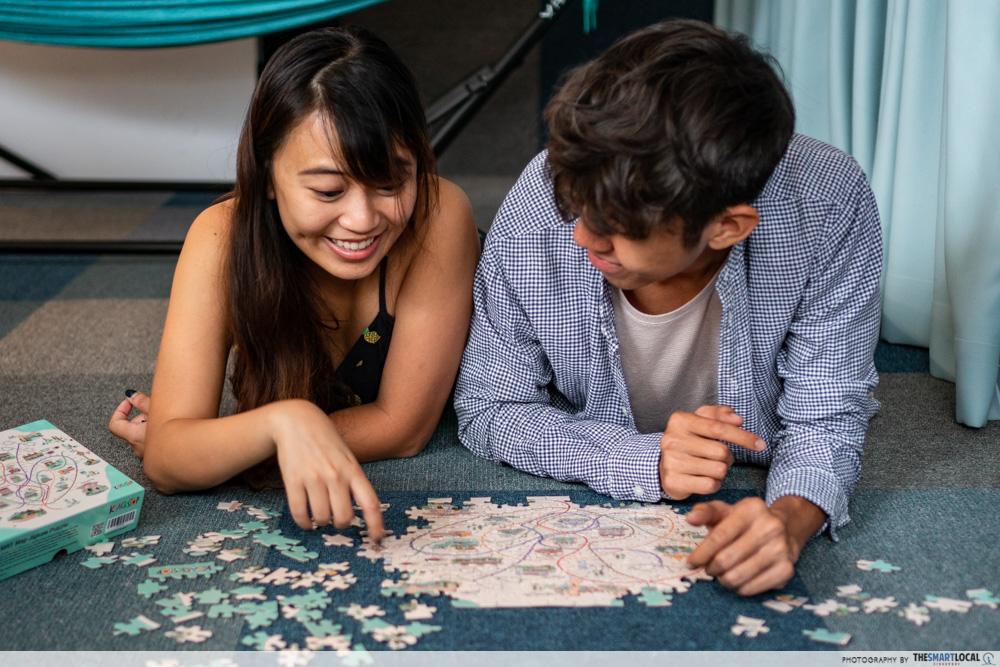 Knackstop bus and MRT merchandise - MRT map jigsaw puzzle
