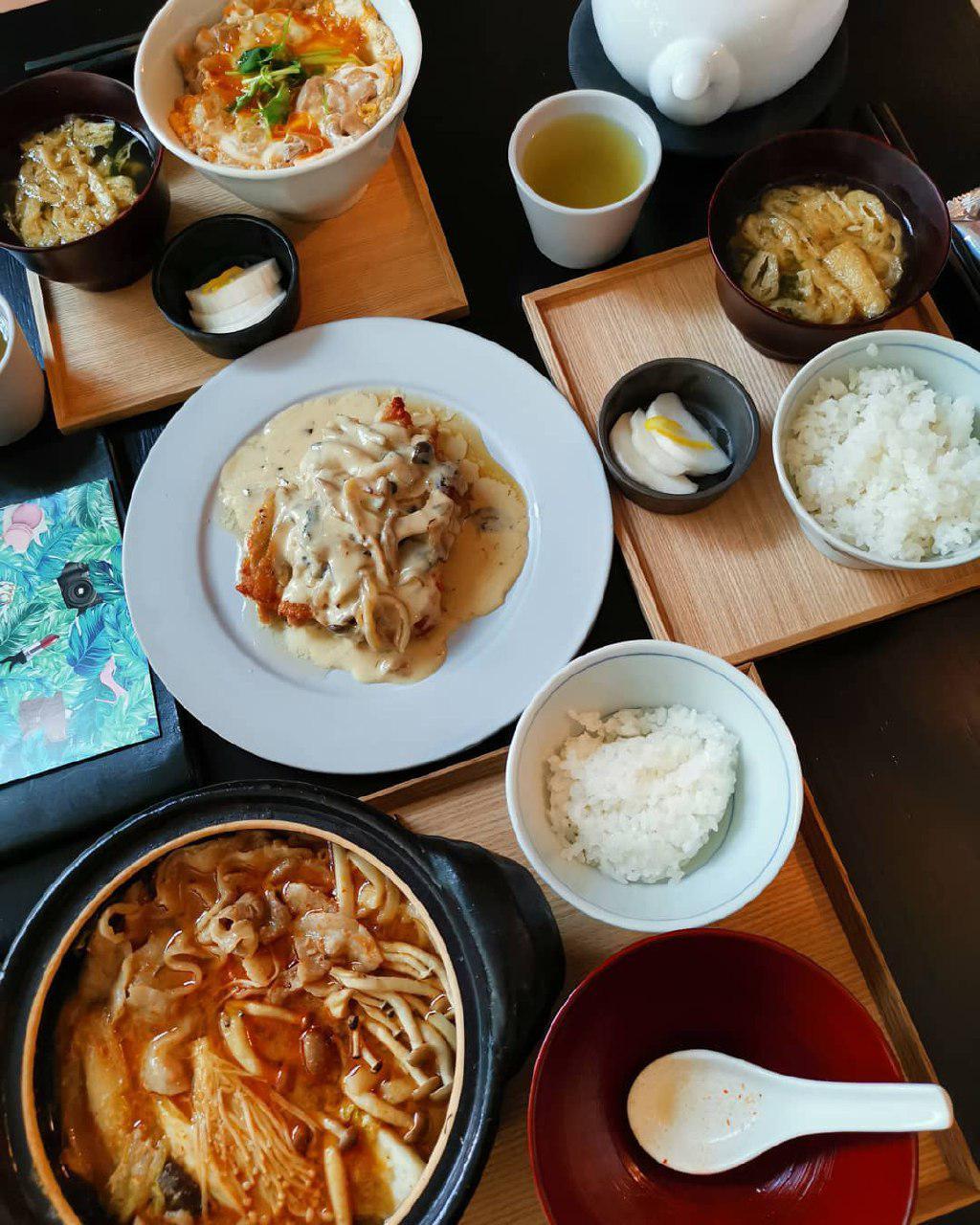 dishes at JW360 Cafe Corner