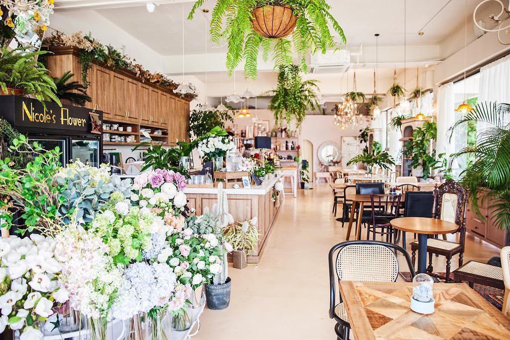 Cafe de Nicole's Flower