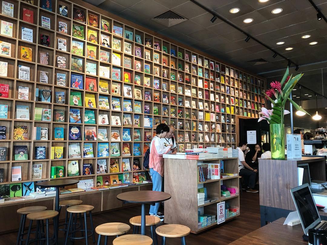 Huggs-Epigram coffee bookshop interior