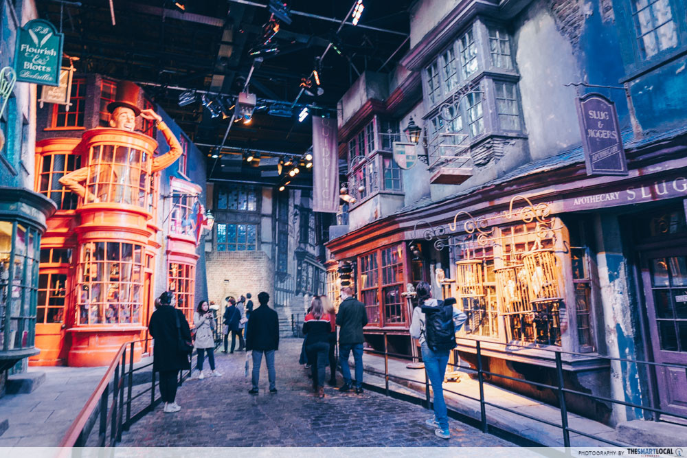 Gringotts Wizarding Bank - Diagon Alley