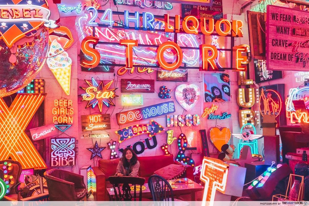 God's Own Junkyard - neon lights cafe