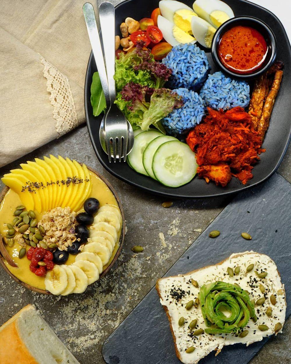 Nasi Lemak Beckham, Mango acai bowl and avocado toast at The Good Co. Cafe