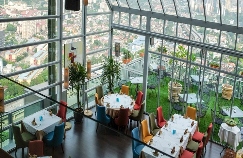 best rooftop bars in Kuala lumpur kl cheap drinks city views roofino skydining and bar