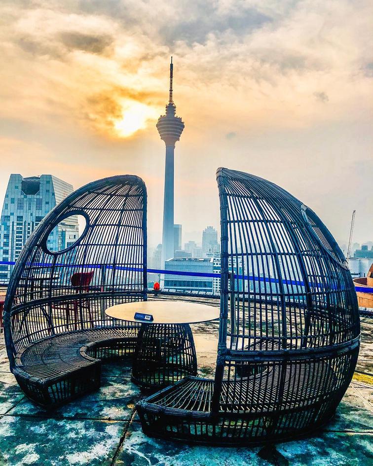 best rooftop bars in Kuala lumpur kl cheap drinks city views heli lounge bar