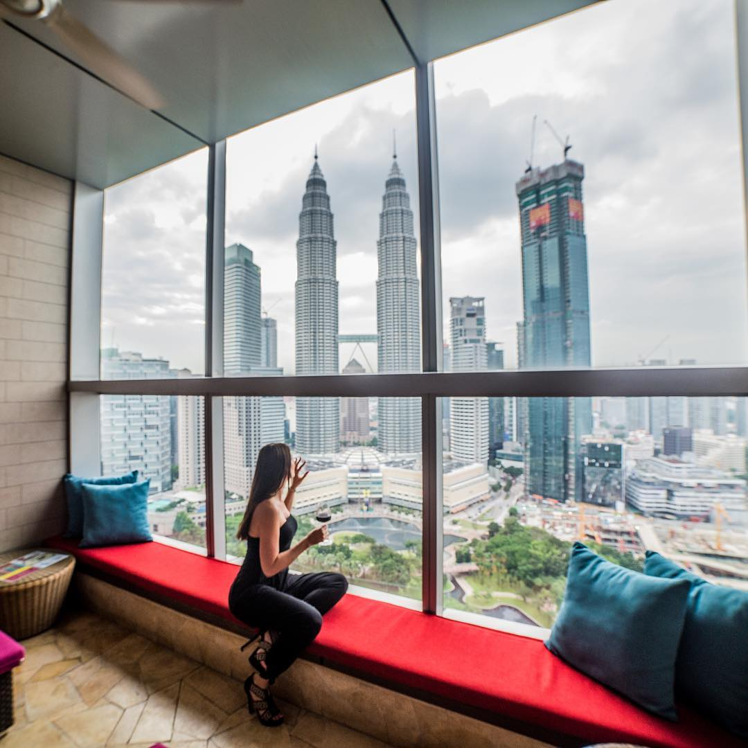 best rooftop bars in Kuala lumpur kl cheap drinks city views sky bar traders
