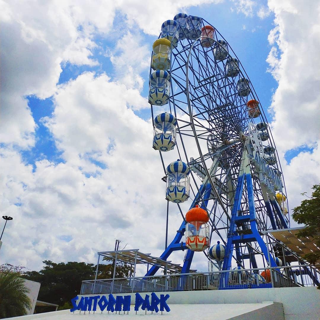 Santorini Park Ferris Wheel