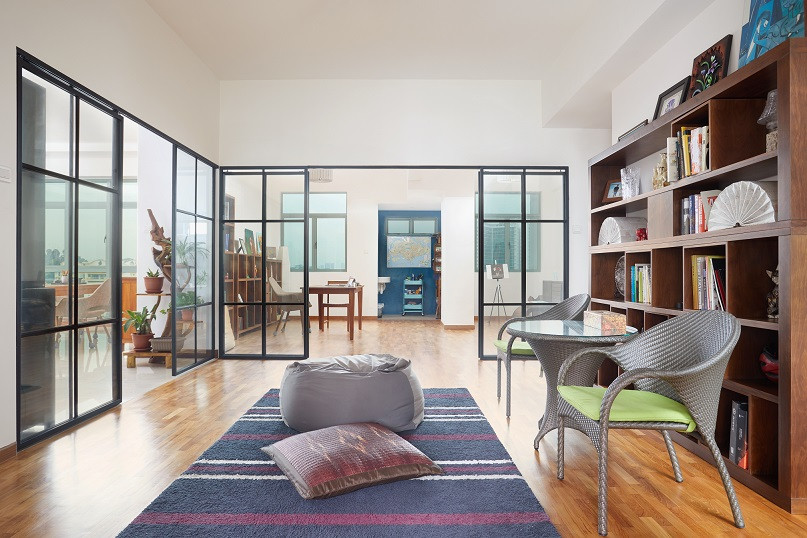 HDB features - glass doors and dividers