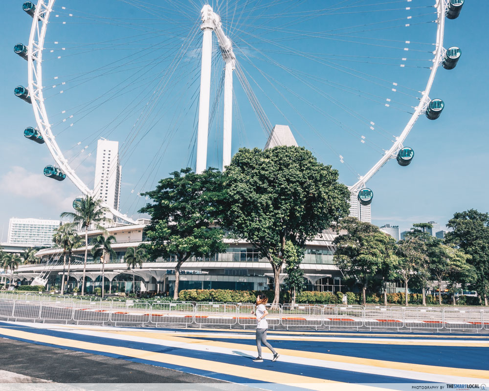Running routes in the CBD - marina promenade park singapore flyer f1 pit building track