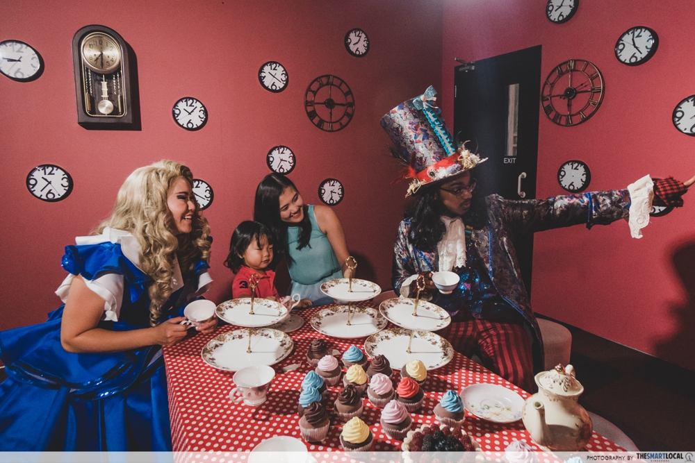22 Stories - Mad Hatter's tea party