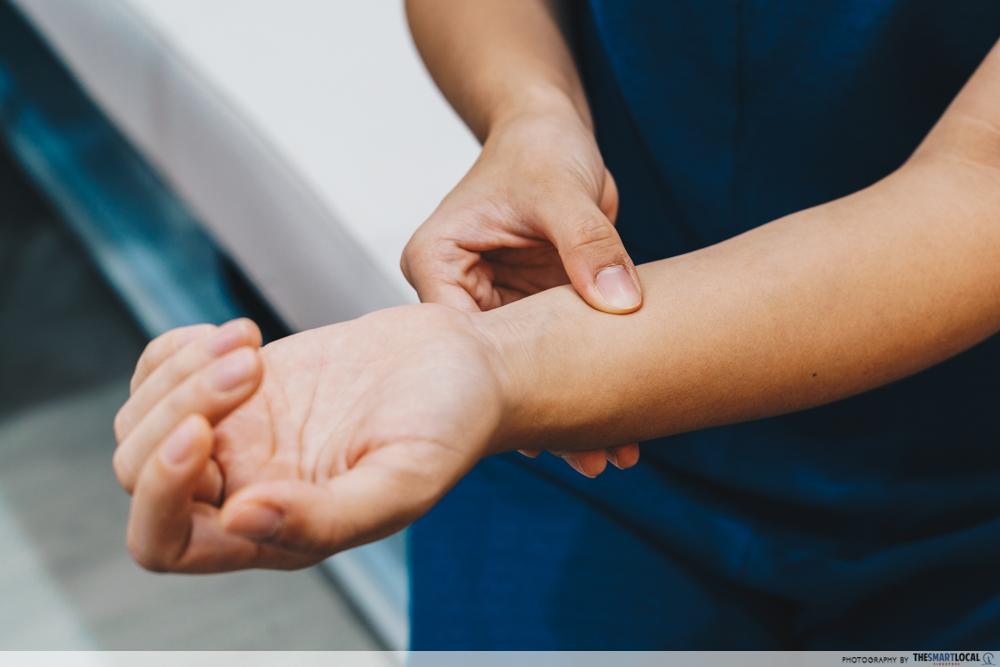 Eu Yang Sang TCM Acupressure Massage Inner Wrist Nausea