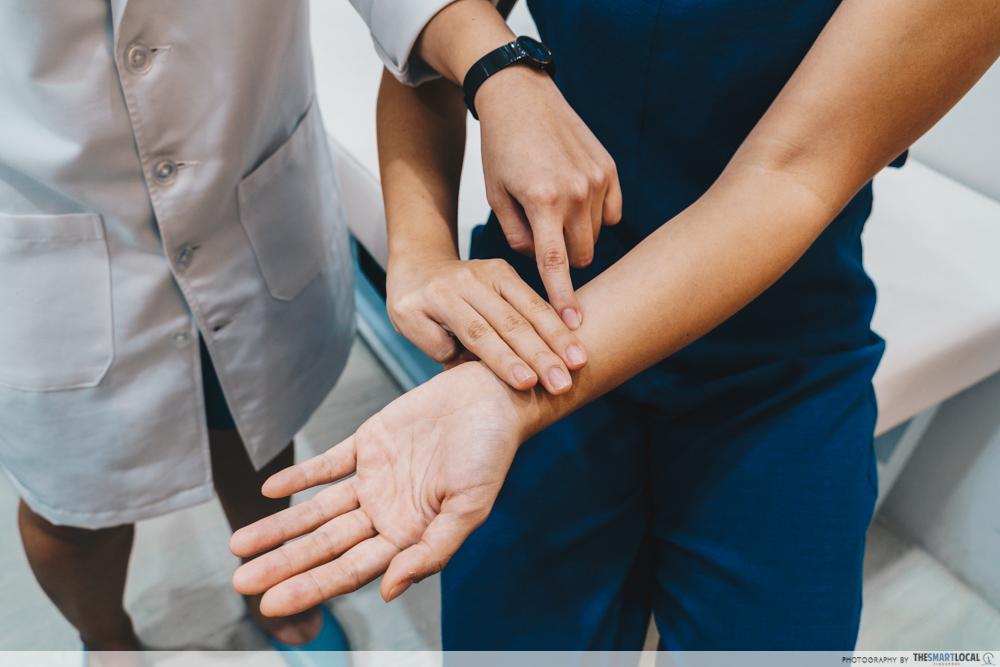 Eu Yang Sang TCM Acupressure Massage Inner Wrist