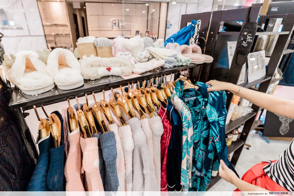 Korean Perms Singapore Salon CapitaLand Shopping Malls Be De Bon Plaza Singapura Imported Fashion Store