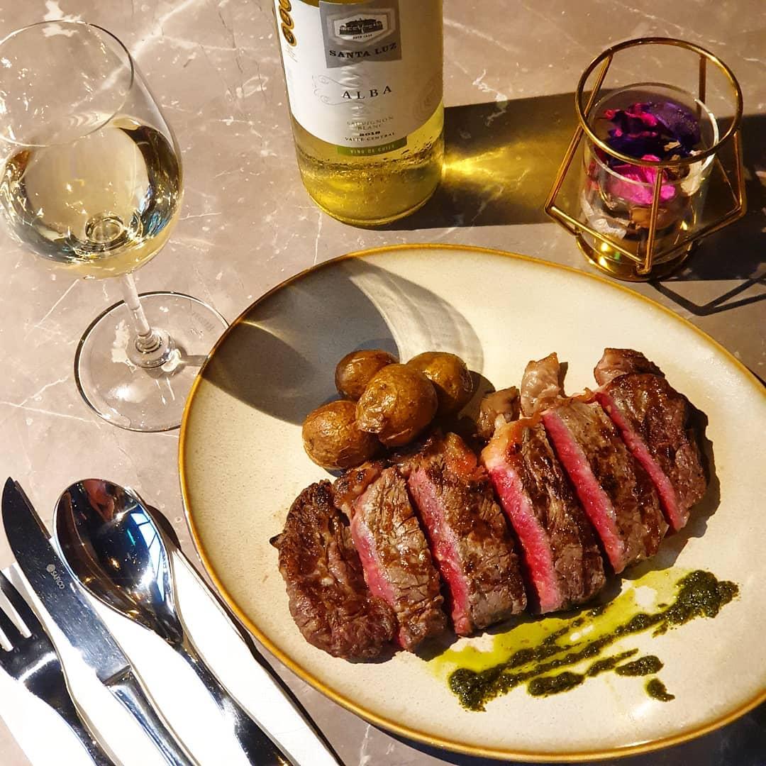 Mpire 77 Amoy Street - striploin steak