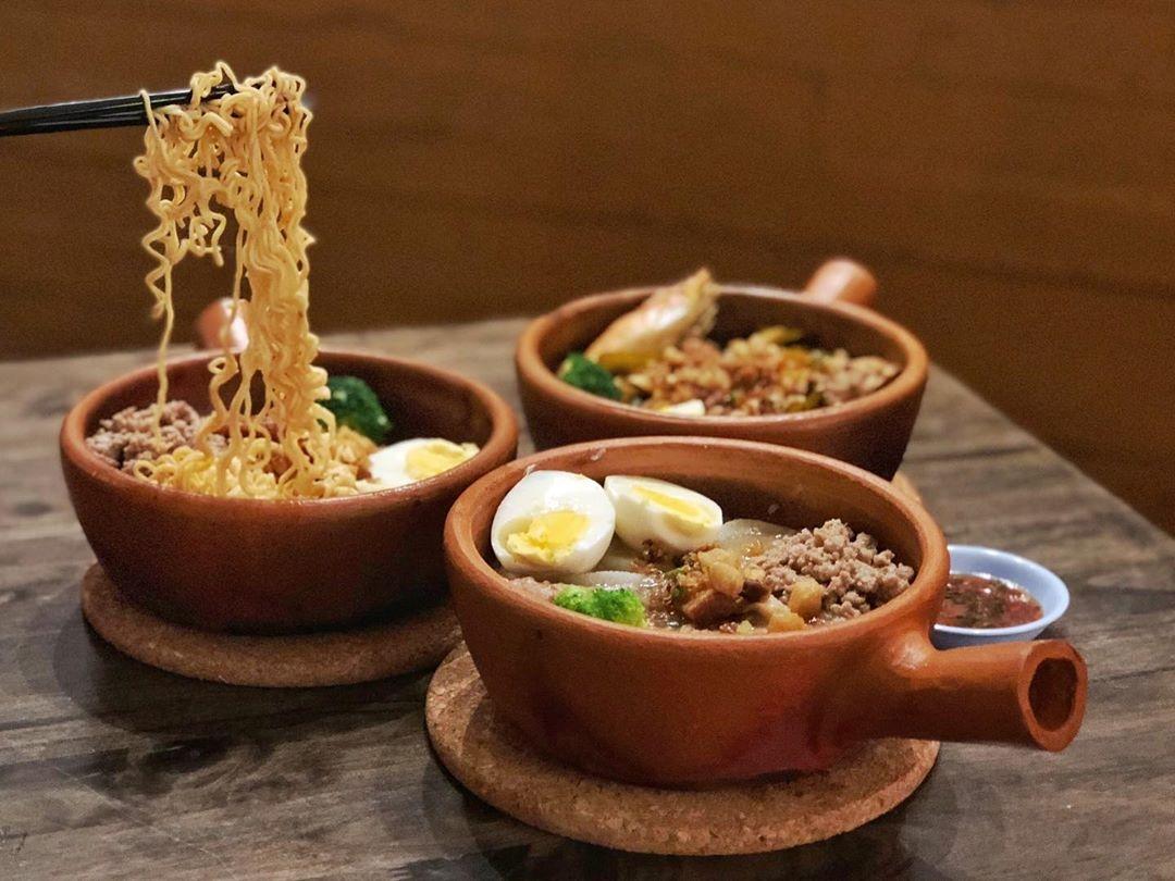 Jok Jok Mor - claypot porridge